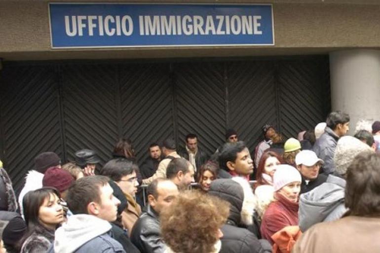 Buonista con i corrotti cattivista con i migranti for Permesso di soggiorno padova