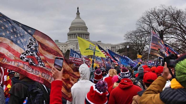 L'assalto a Capitol Hill da parte dei sostenitori di Trump.